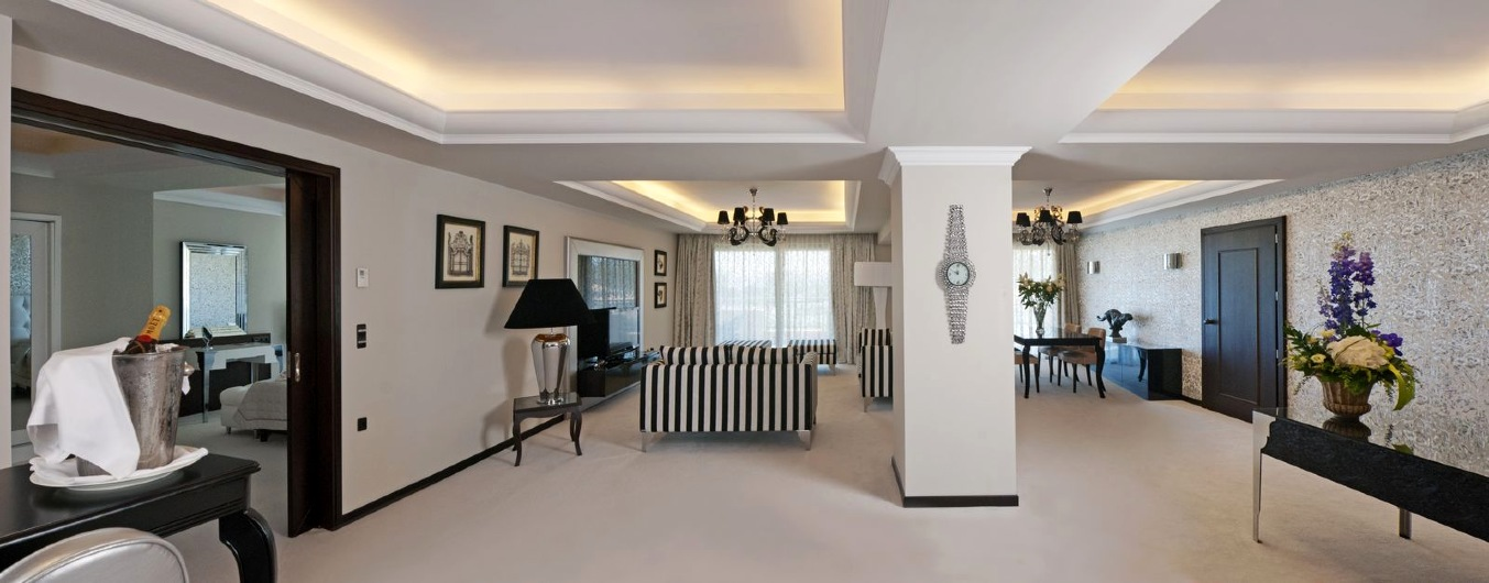 425_La_Marquise_Vip_Presidential_Suite_Living_Room_Panoramic_2